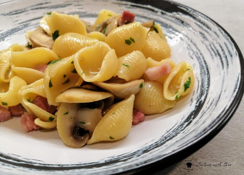 pasta con funghi e pancetta
