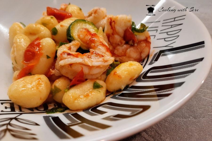 gnocchi gamberi e zucchine