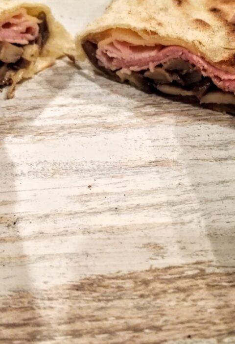 piadina con prosciutto cotto e funghi