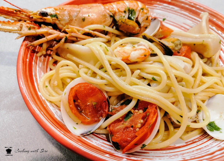 spaghetti allo scoglio con pesce surgelato