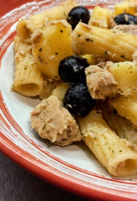 pasta fredda con patate tonno e olive